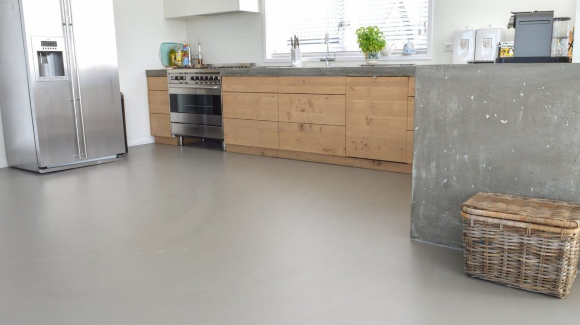 Виды покрытий для многолюдных семей: бетонный пол