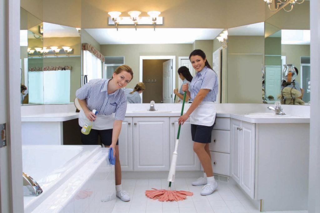 Объясняем как сделать пол в ванной комнате сухим