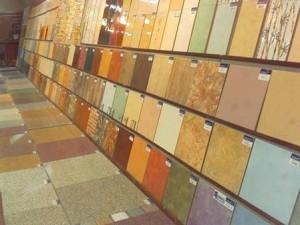 Ассортимент плитки в магазине