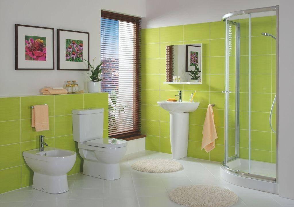 Светло зеленая ванная создает чувство свежести и прохлады