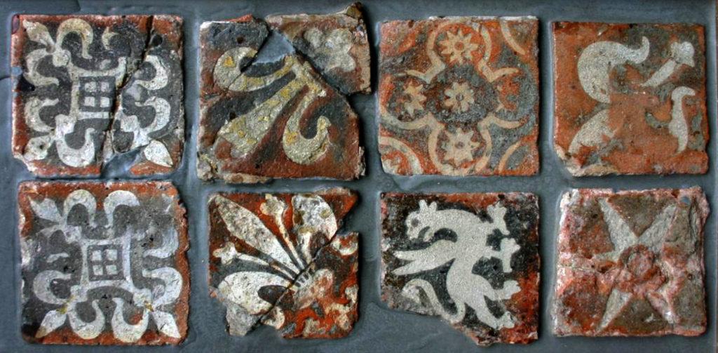 Красивая керамическая плитка древних времен. Интересные и своеобразные рисунки