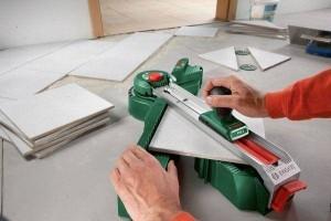 Используя тот или иной метод укладки, так или иначе необходима подрезка плитки, поэтому помните про необходимый запас при покупке