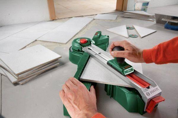 Используя тот или другой метод укладки, так или иначе необходима подрезка плитки, поэтому так или иначе помните про запас при покупке