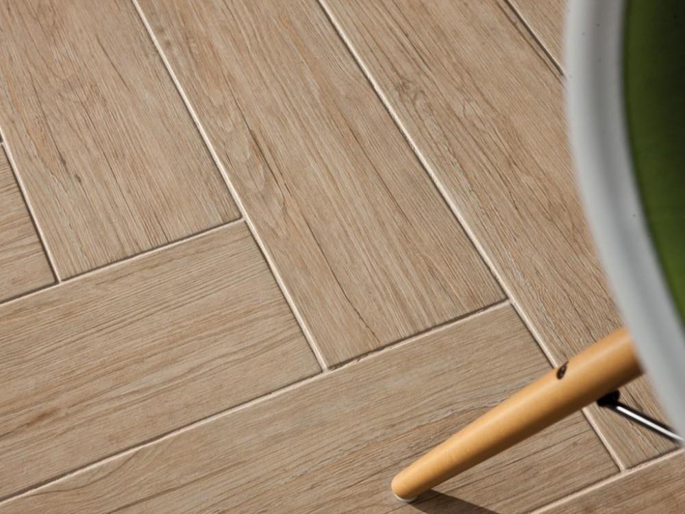 Как нужно наносить клей при укладке керамической плитки
