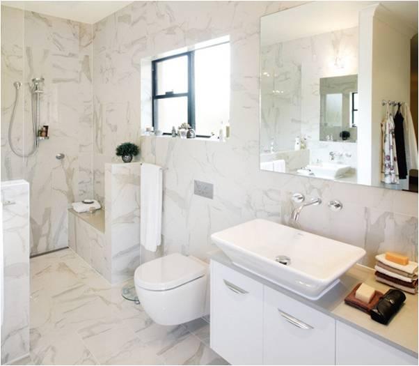 Бежевый керамогранит в ванной комнате