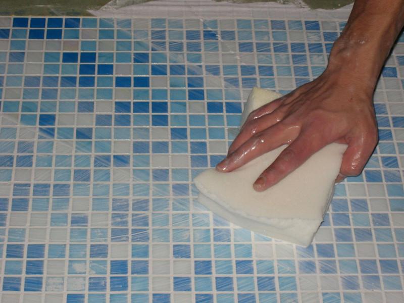 чистка мозаичной плитки