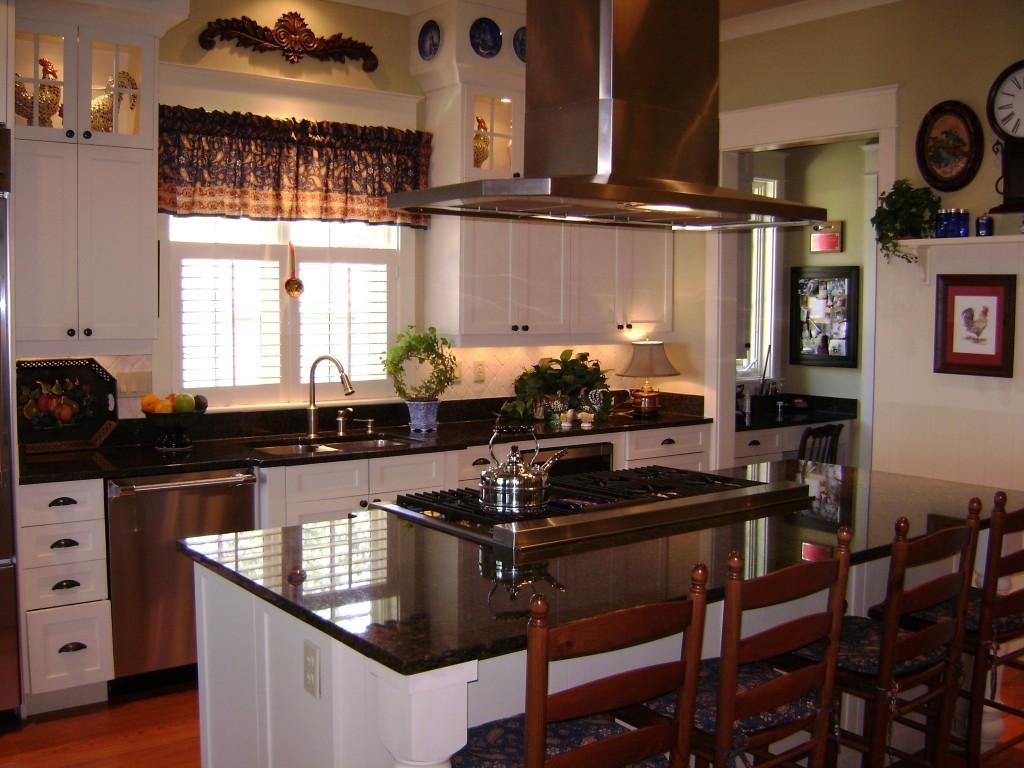 Красивая кухня с гранитная столешницей