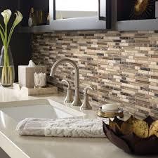 красивая мозаичная плитка из натурального камня