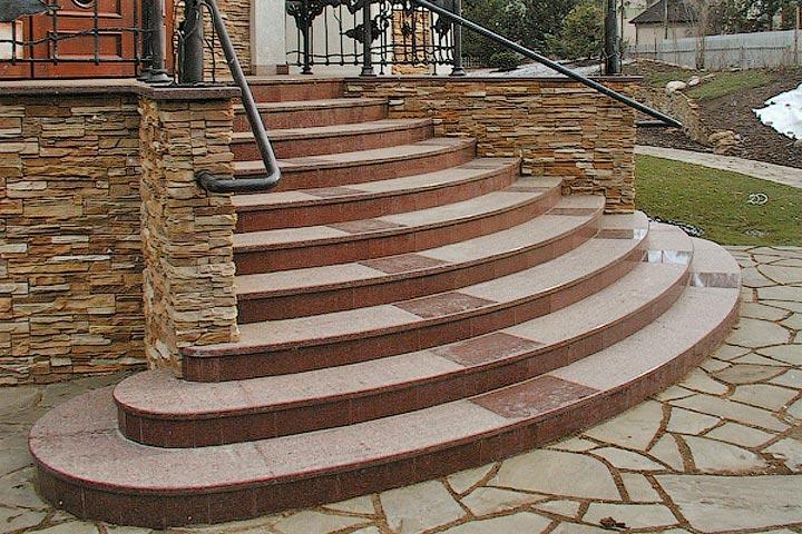 красивые ступени из натуральных камней
