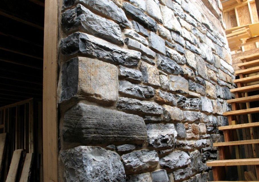 натуральный камень для внутренней отделки