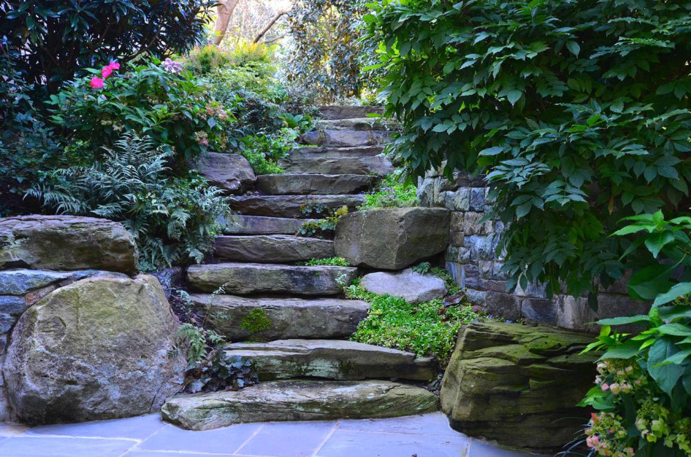 Ступени из натуральных камней