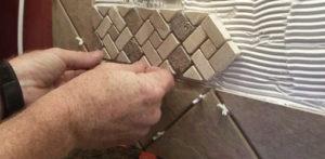 Укладка мозаичной плитки