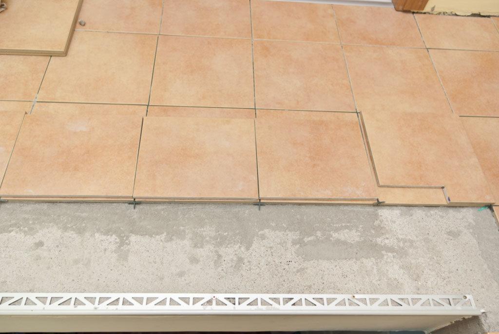 выравнивание стен перед укладкой плитки